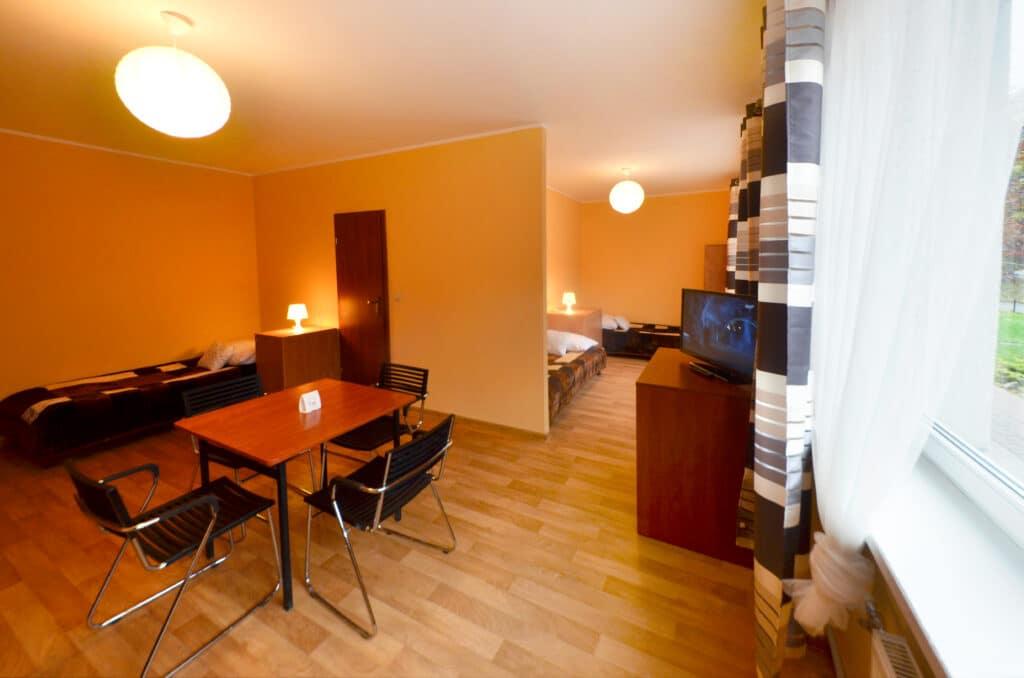 pokój 4 osobowy z łazienką w Szczecinie. Migrand Hostel i tanie noclegi w Szczecinie